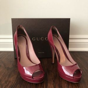 Gucci Vernice Crystal Patent Leather Peep Toe Heel